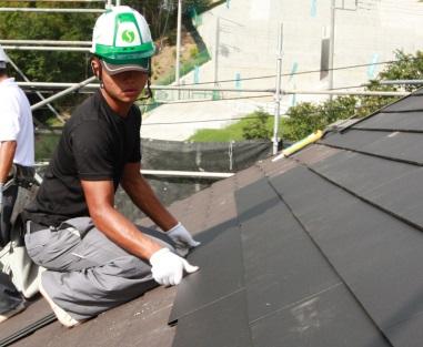 仕上げ屋根材をしっかり密着